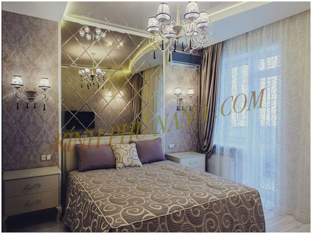 Gương ghép trang trí phòng ngủ