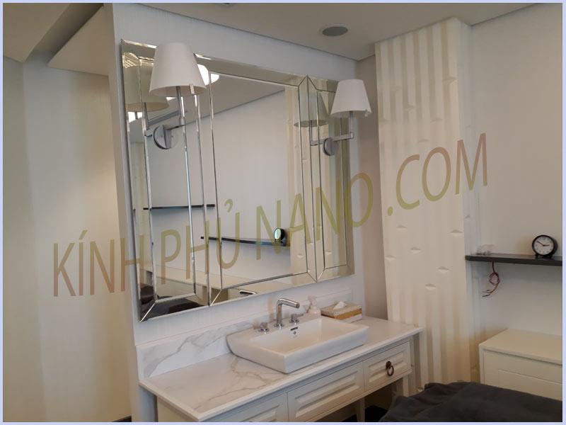 Gương ghép trang trí cho nhà tắm
