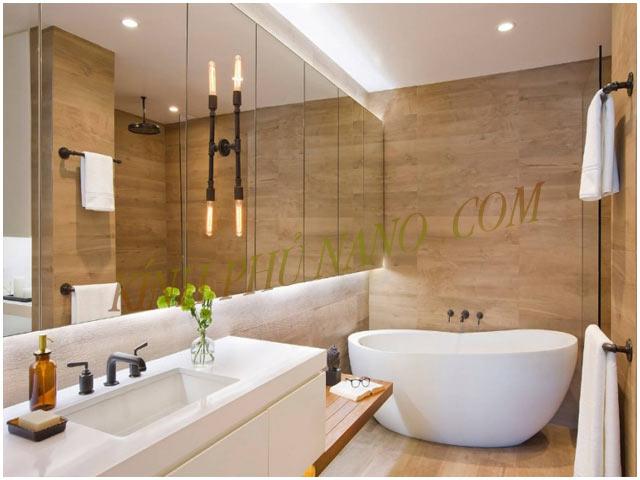 Gương phòng tắm có gắn led phía sau