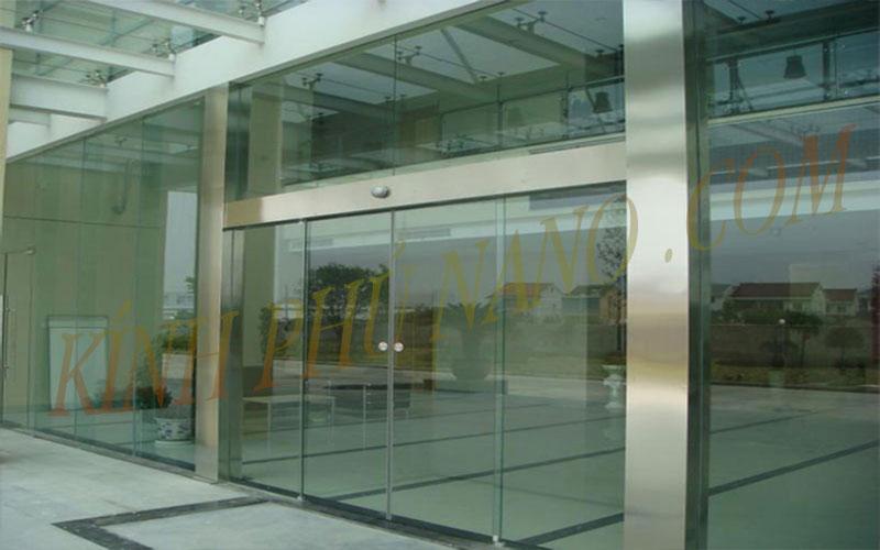 Cửa kính tự động đóng mở