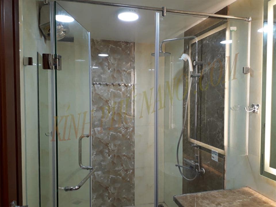 Phòng tắm vách kính thẳng 3 tấm